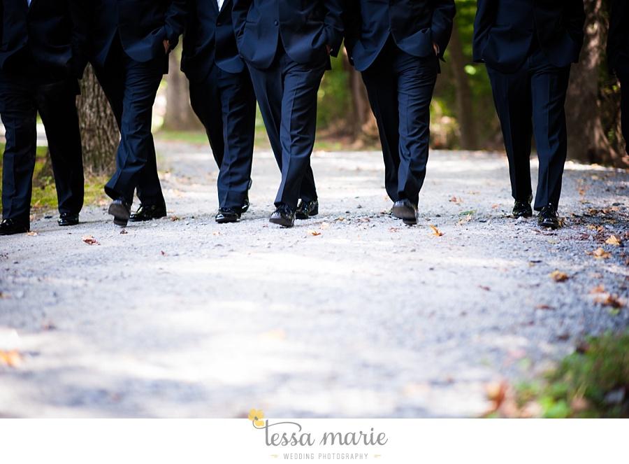 outdoor_wedding_pictures_marietta_sweethearts_candid_emotional_tessa_marie_weddings_0092