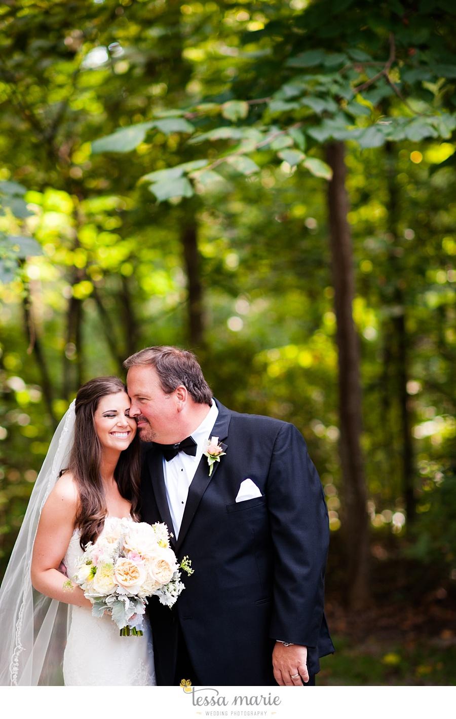 outdoor_wedding_pictures_marietta_sweethearts_candid_emotional_tessa_marie_weddings_0117