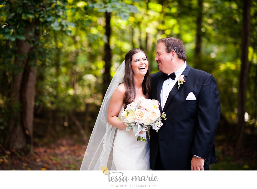 outdoor_wedding_pictures_marietta_sweethearts_candid_emotional_tessa_marie_weddings_0118