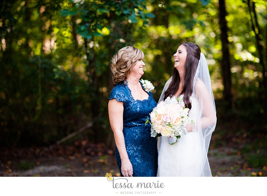 outdoor_wedding_pictures_marietta_sweethearts_candid_emotional_tessa_marie_weddings_0123