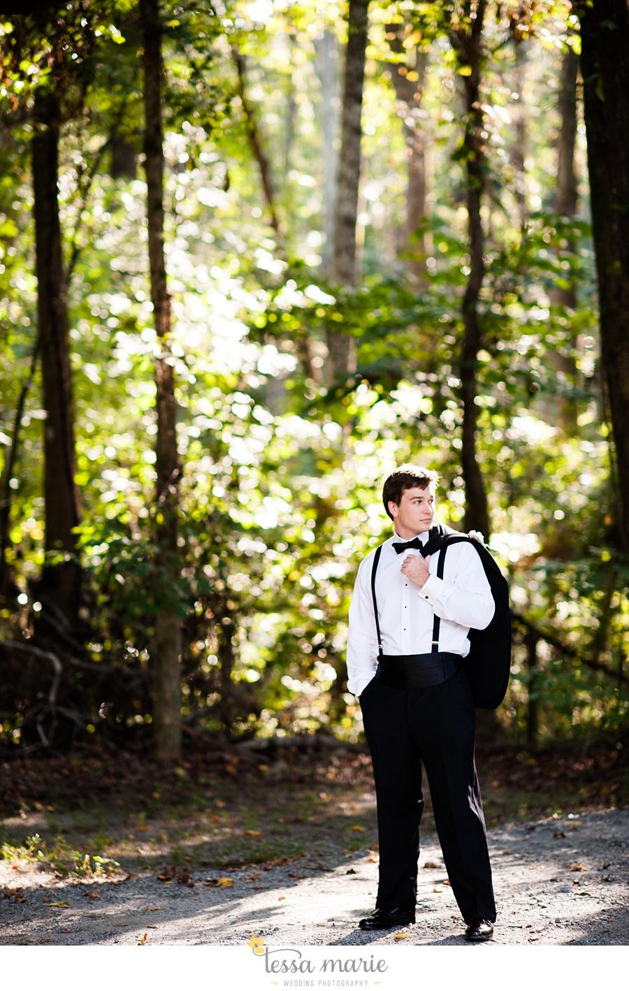 outdoor_wedding_pictures_marietta_sweethearts_candid_emotional_tessa_marie_weddings_0124