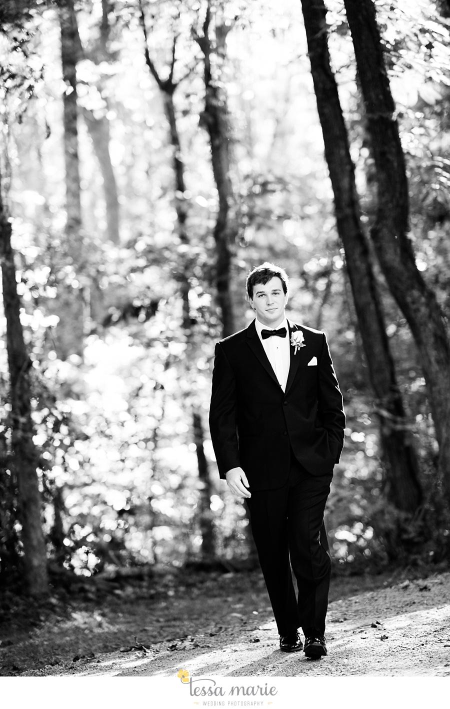outdoor_wedding_pictures_marietta_sweethearts_candid_emotional_tessa_marie_weddings_0129