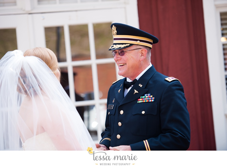 Ivy_hall_wedding_pictures_outdoor_wedding_0024