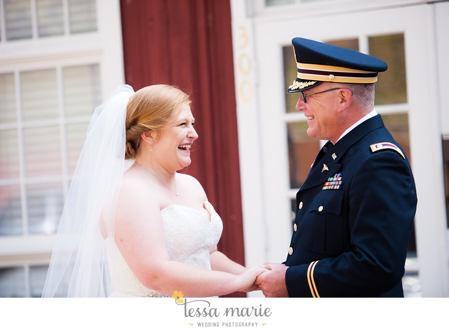 Ivy_hall_wedding_pictures_outdoor_wedding_0025