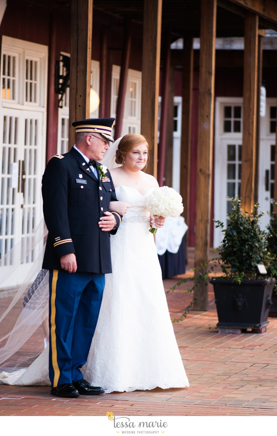 Ivy_hall_wedding_pictures_outdoor_wedding_0064