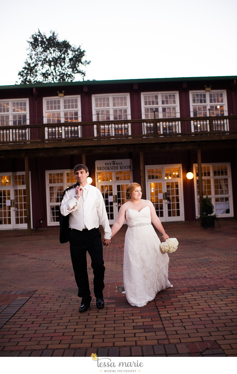 Ivy_hall_wedding_pictures_outdoor_wedding_0088