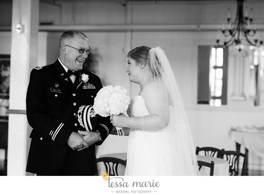 Ivy_hall_wedding_pictures_outdoor_wedding_0091