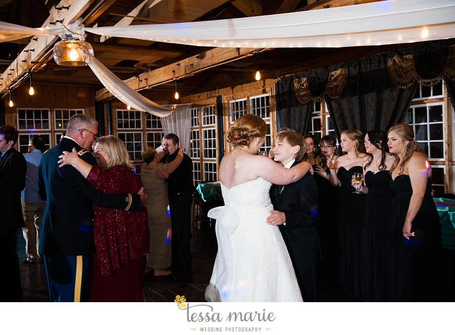 Ivy_hall_wedding_pictures_outdoor_wedding_0133