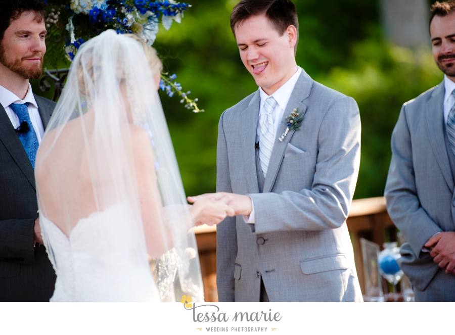 Ivy_hall_outdoor_wedding_creative_candid_emotional_wedding_pictures_tessa_marie_weddings_0631