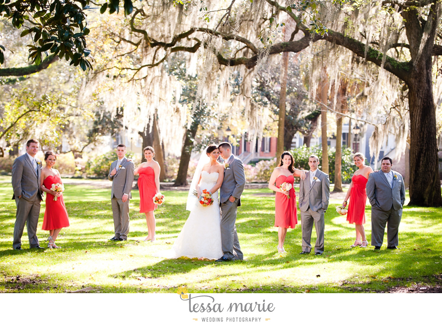 savannah_destination_wedding_photographer_pictures_mike_kristen_outdoor_wedding_coral_green_white_096-86