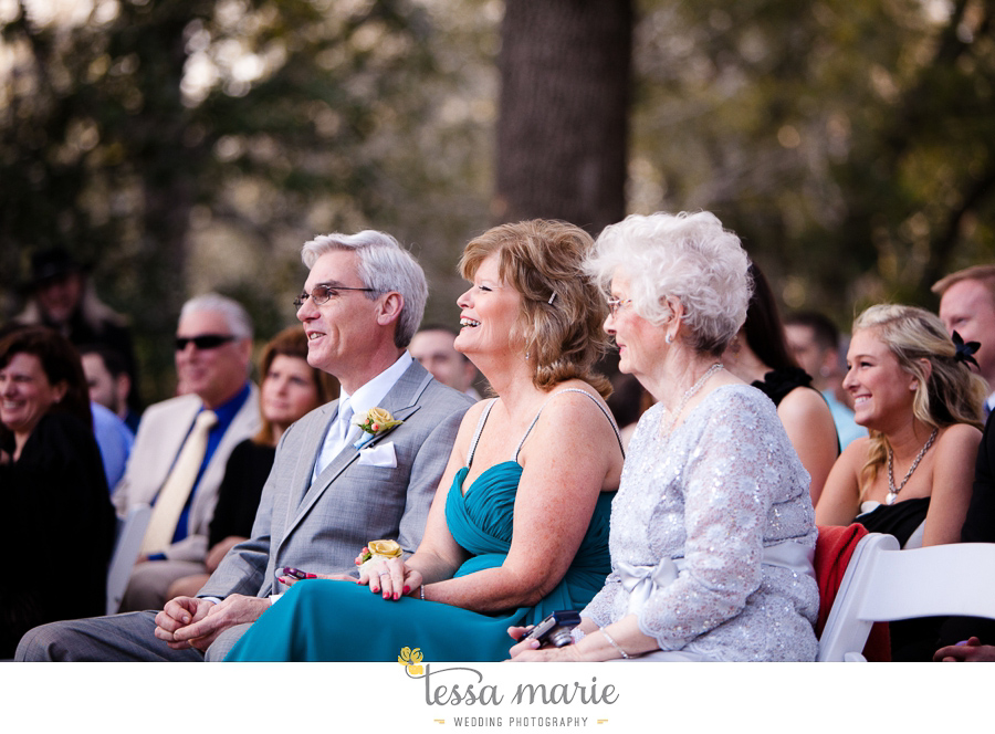 savannah_destination_wedding_photographer_pictures_mike_kristen_outdoor_wedding_coral_green_white_132-126