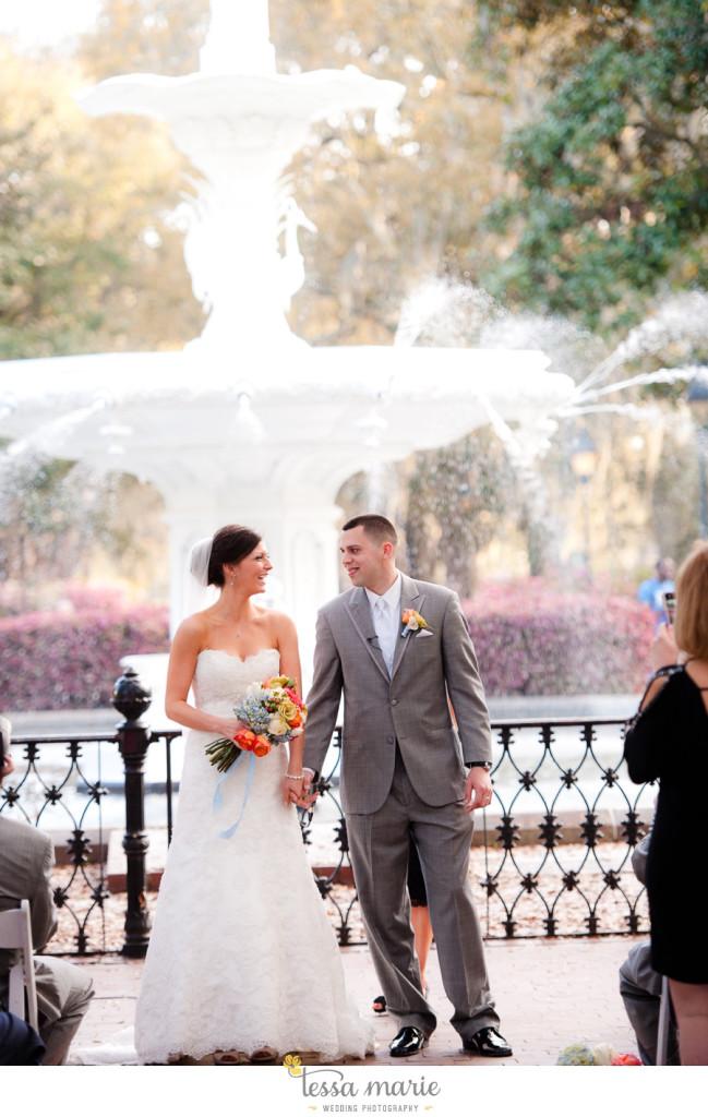 savannah_destination_wedding_photographer_pictures_mike_kristen_outdoor_wedding_coral_green_white_139-133-649x1024