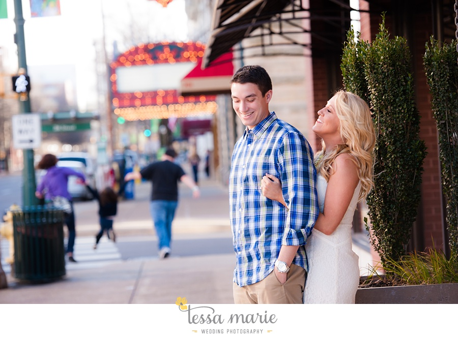 chattanooga_engagement_pictures_downtown_0015