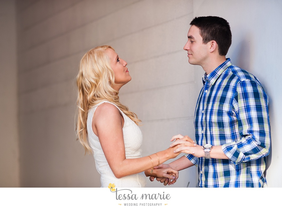 chattanooga_engagement_pictures_downtown_0017