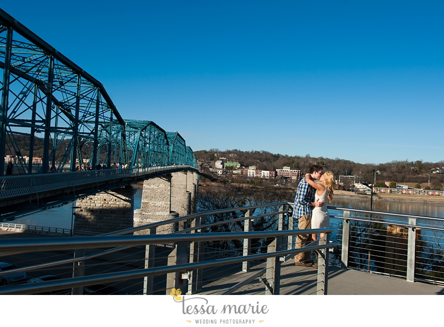 chattanooga_engagement_pictures_downtown_0022