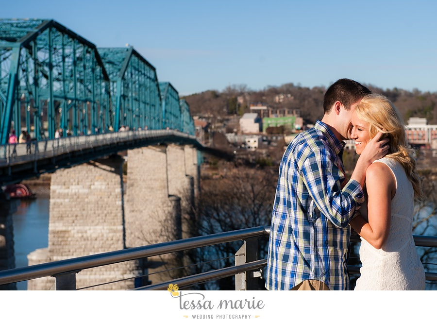 chattanooga_engagement_pictures_downtown_0024