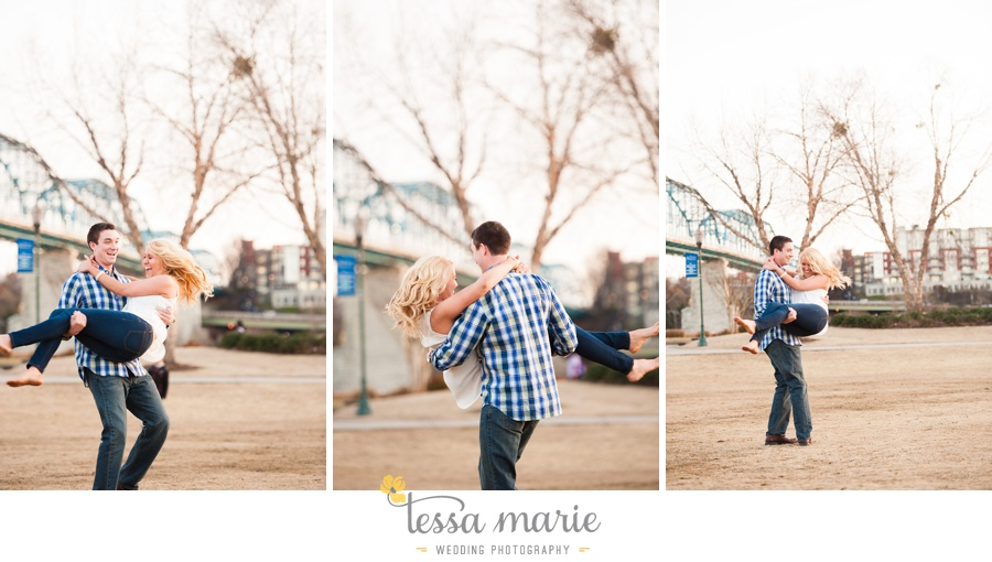 chattanooga_engagement_pictures_downtown_0046