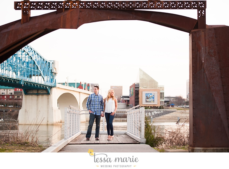 chattanooga_engagement_pictures_downtown_0051