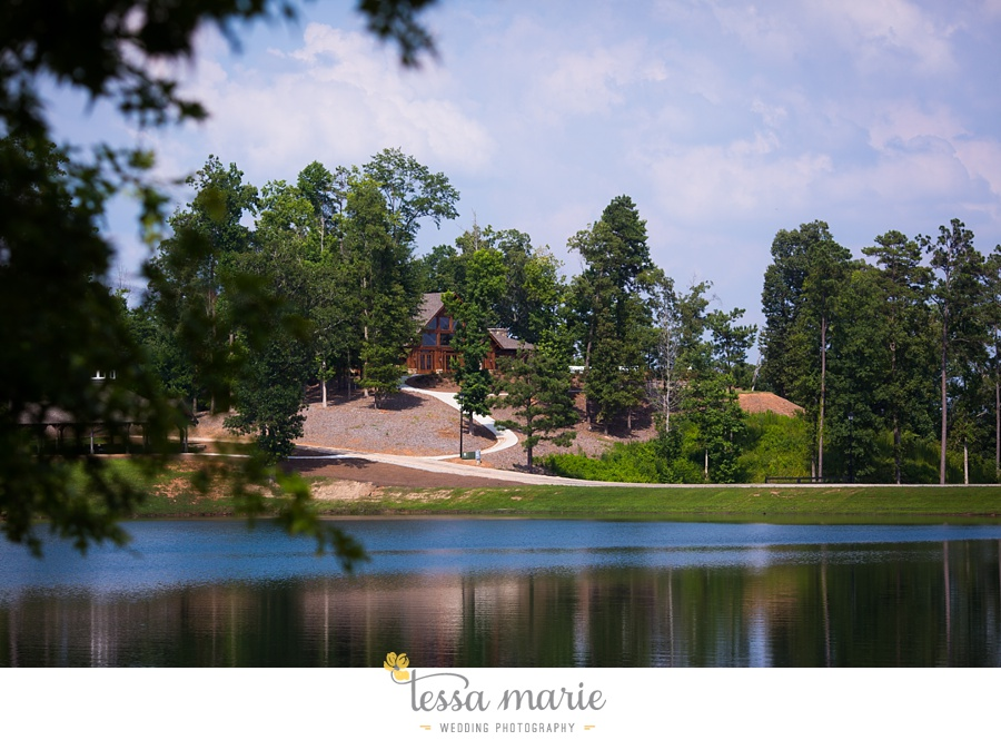 foxhall_wedding_outdoor_summer_red_white_blue_wedding_pictures_tessa_marie_weddings_0005