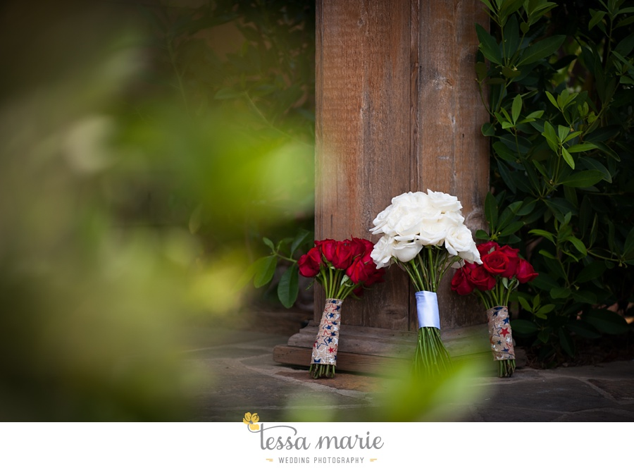 foxhall_wedding_outdoor_summer_red_white_blue_wedding_pictures_tessa_marie_weddings_0010