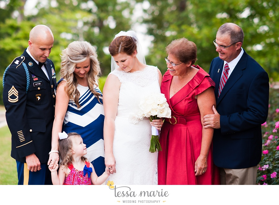 foxhall_wedding_outdoor_summer_red_white_blue_wedding_pictures_tessa_marie_weddings_0026