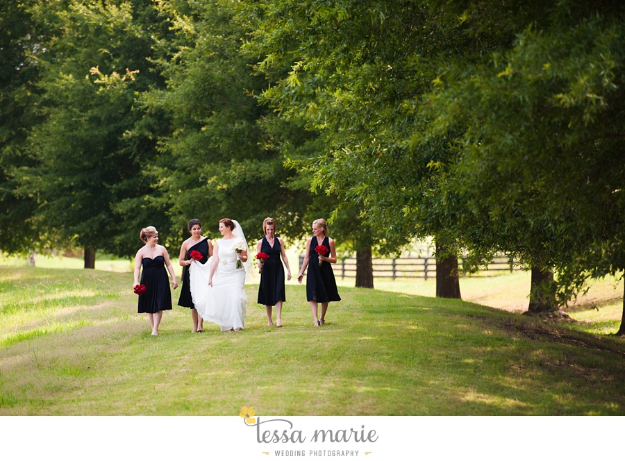 foxhall_wedding_outdoor_summer_red_white_blue_wedding_pictures_tessa_marie_weddings_0031