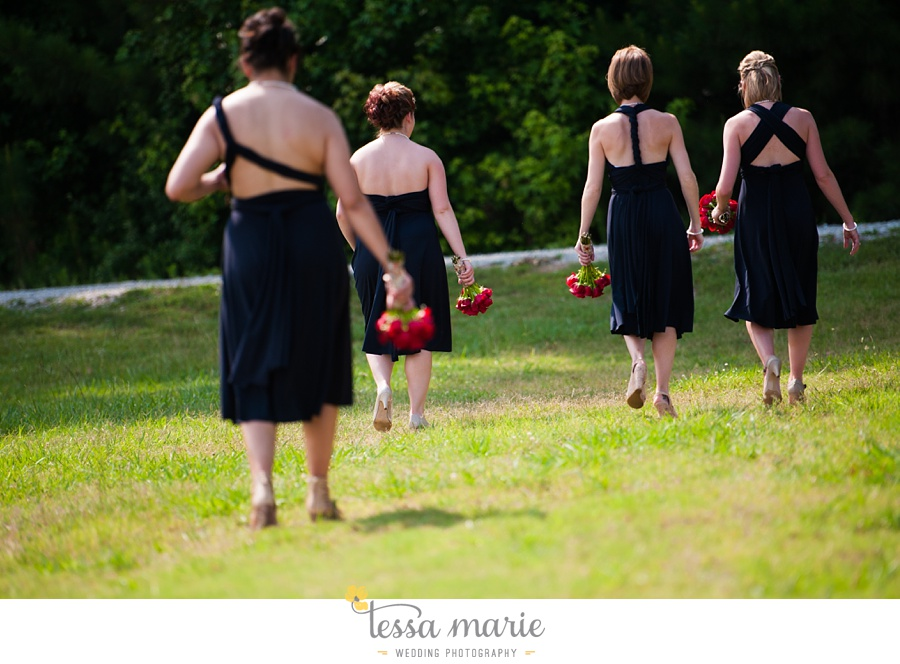 foxhall_wedding_outdoor_summer_red_white_blue_wedding_pictures_tessa_marie_weddings_0034
