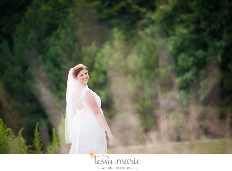 foxhall_wedding_outdoor_summer_red_white_blue_wedding_pictures_tessa_marie_weddings_0040