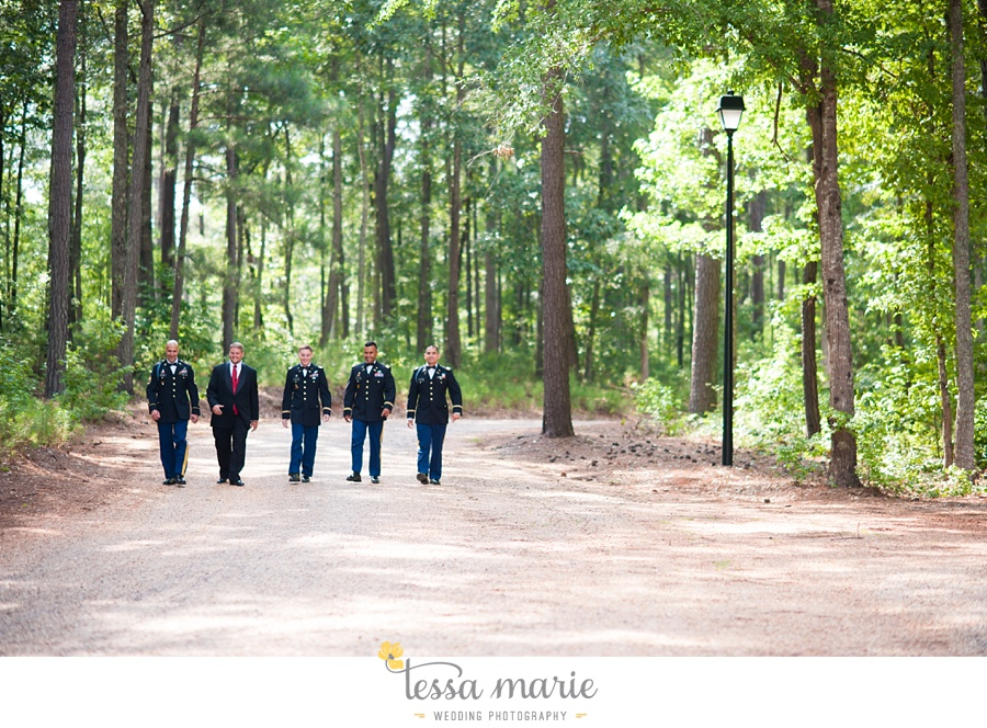 foxhall_wedding_outdoor_summer_red_white_blue_wedding_pictures_tessa_marie_weddings_0045