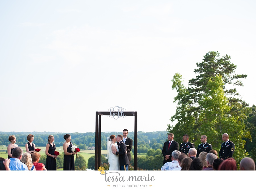 foxhall_wedding_outdoor_summer_red_white_blue_wedding_pictures_tessa_marie_weddings_0073