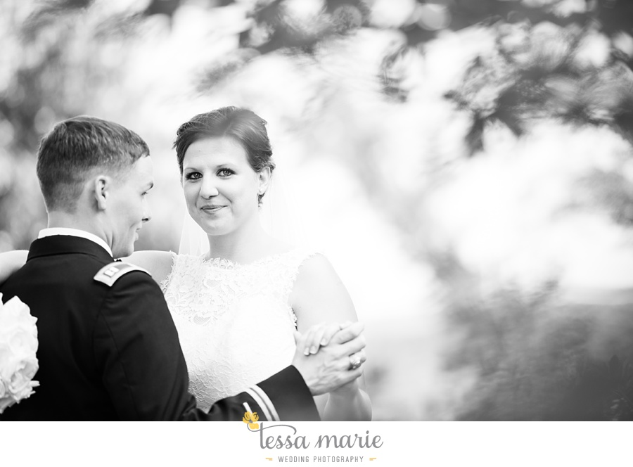 foxhall_wedding_outdoor_summer_red_white_blue_wedding_pictures_tessa_marie_weddings_0075