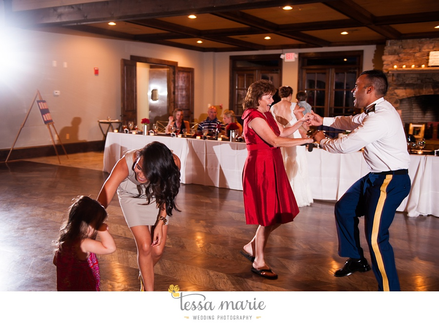 foxhall_wedding_outdoor_summer_red_white_blue_wedding_pictures_tessa_marie_weddings_0119