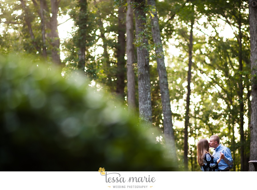 south_atlanta_engagement_session_country_field_plantation_home_0008