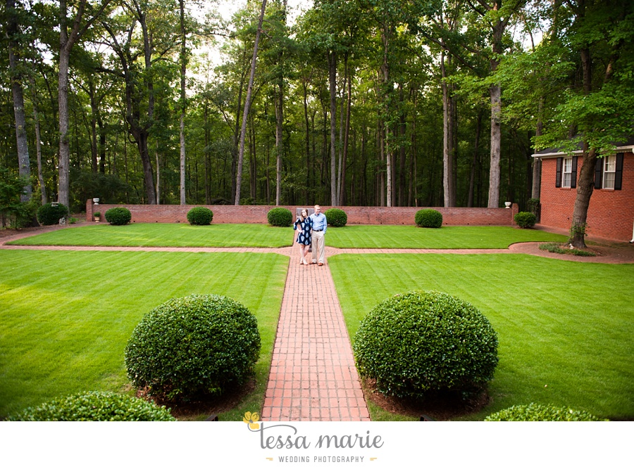 south_atlanta_engagement_session_country_field_plantation_home_0013