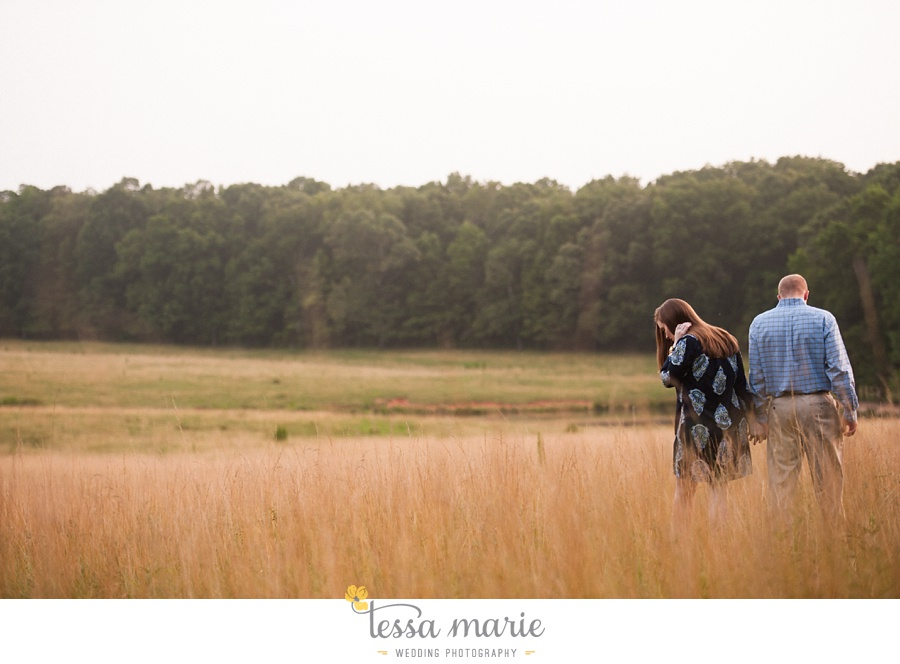 south_atlanta_engagement_session_country_field_plantation_home_0033