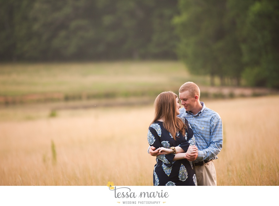 south_atlanta_engagement_session_country_field_plantation_home_0034