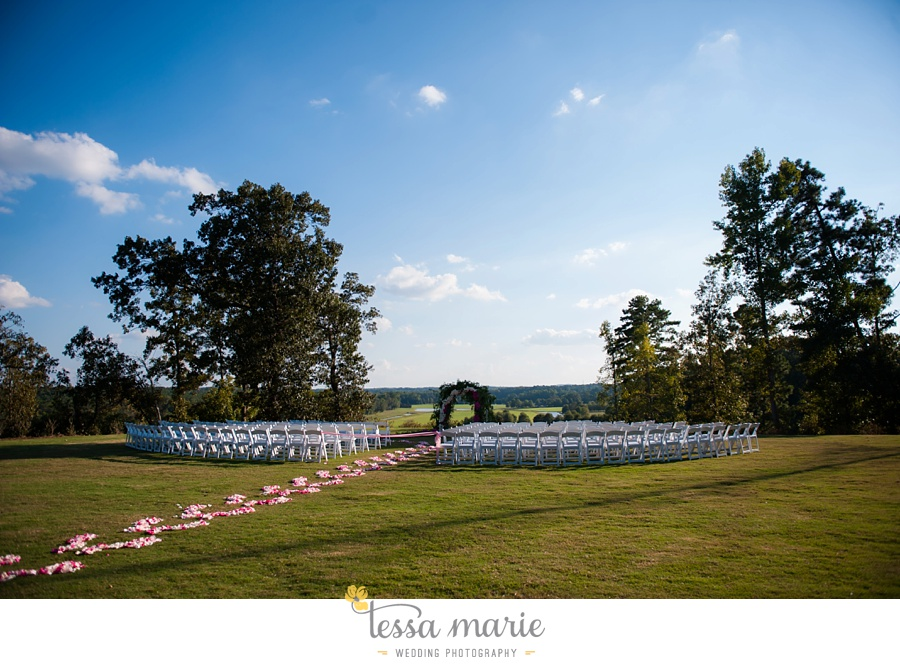 468_foxhall_wedding_outdoor_fall_wedding_andy_beach_hi_note_a_divine_event_tessa_marie_weddings_photography_wedding_pictures