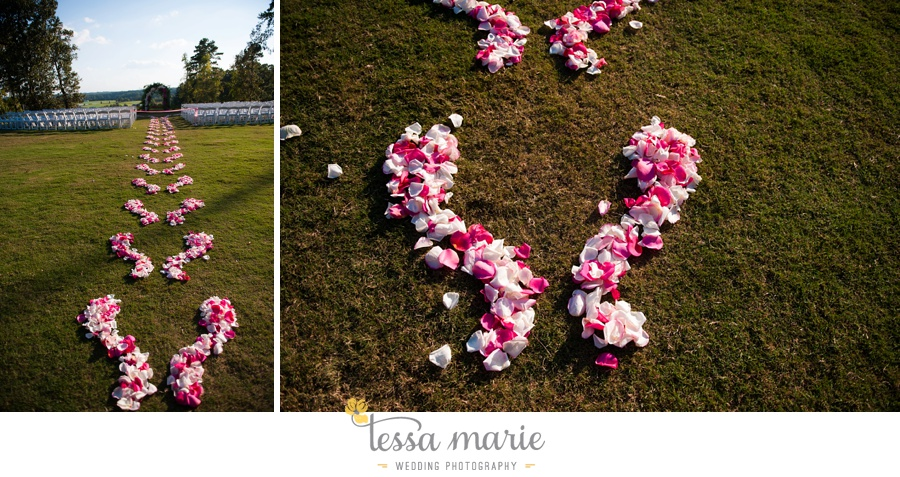 469_foxhall_wedding_outdoor_fall_wedding_andy_beach_hi_note_a_divine_event_tessa_marie_weddings_photography_wedding_pictures