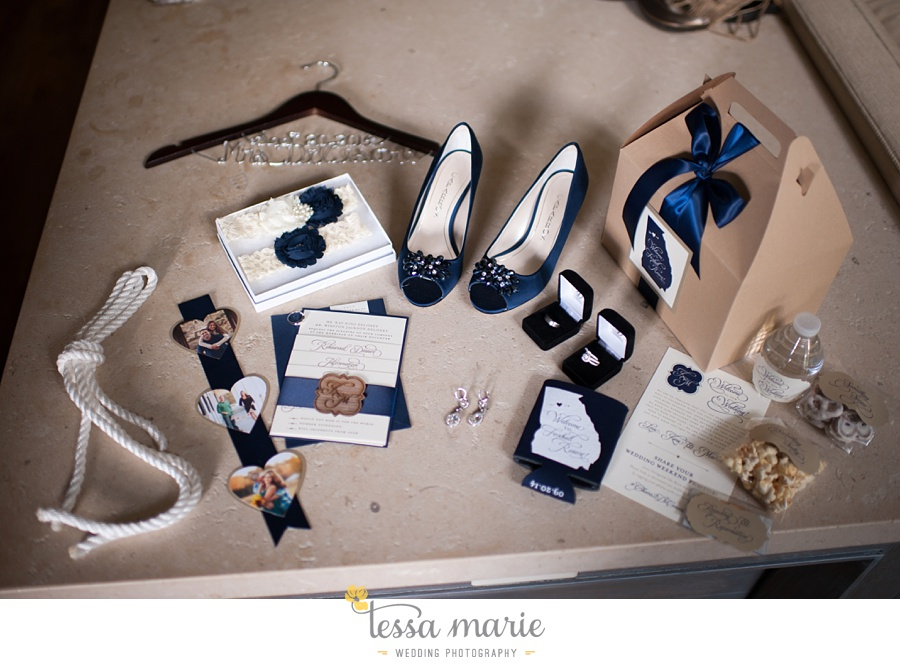 4_foxhall_wedding_outdoor_fall_wedding_andy_beach_hi_note_a_divine_event_tessa_marie_weddings_photography_wedding_pictures