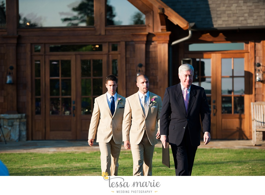 549_foxhall_wedding_outdoor_fall_wedding_andy_beach_hi_note_a_divine_event_tessa_marie_weddings_photography_wedding_pictures