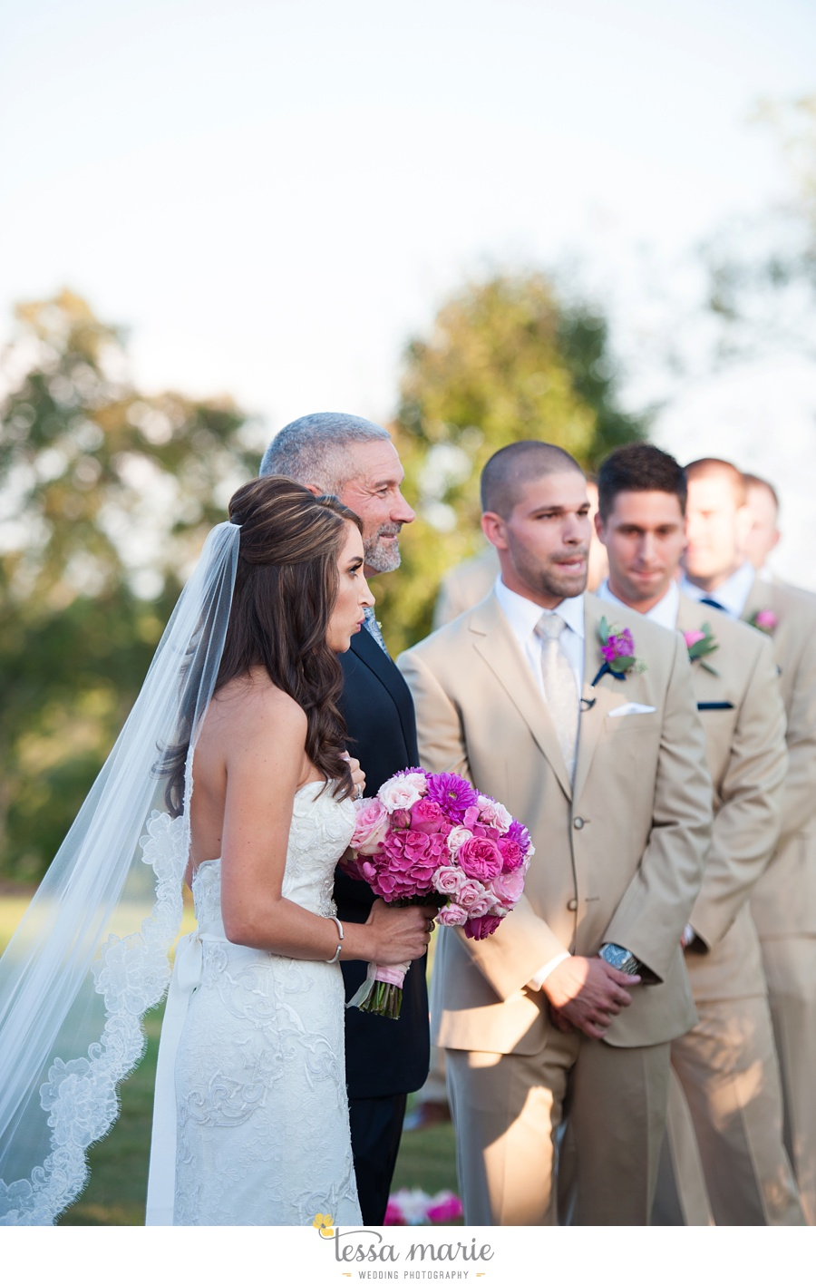 564_foxhall_wedding_outdoor_fall_wedding_andy_beach_hi_note_a_divine_event_tessa_marie_weddings_photography_wedding_pictures