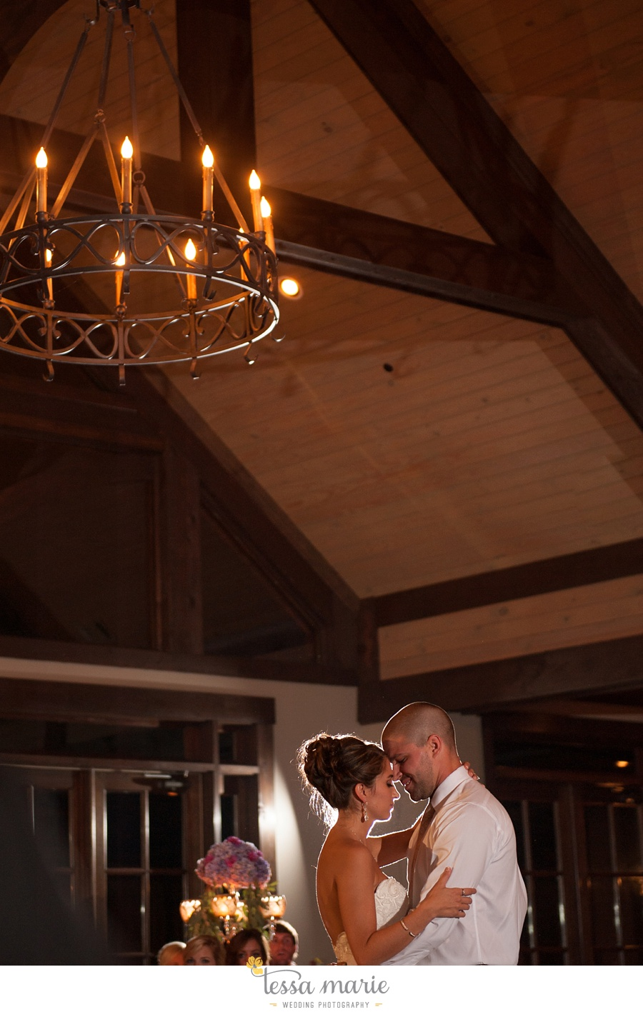 684_foxhall_wedding_outdoor_fall_wedding_andy_beach_hi_note_a_divine_event_tessa_marie_weddings_photography_wedding_pictures