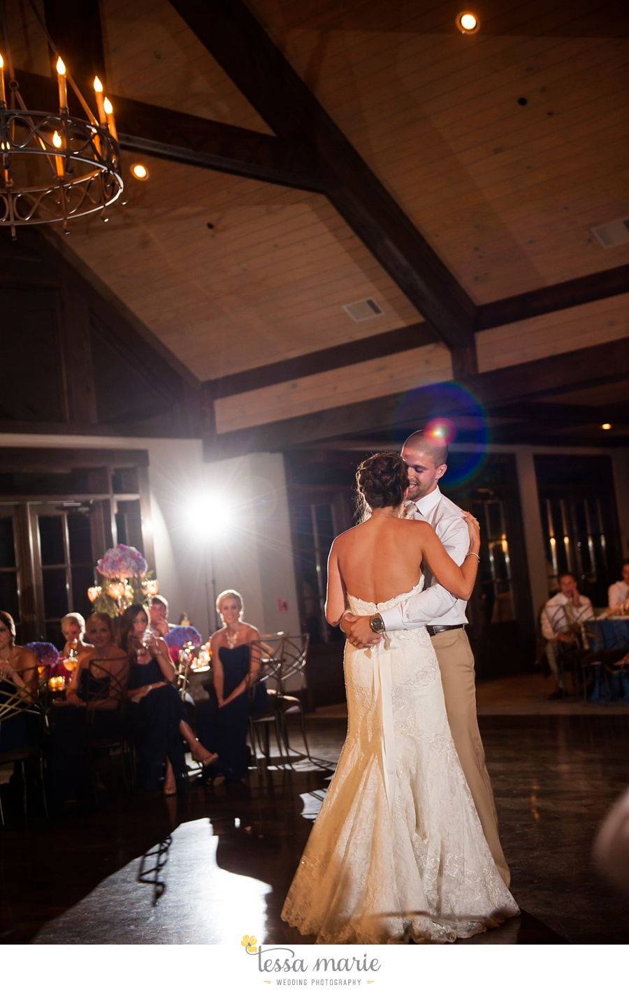 685_foxhall_wedding_outdoor_fall_wedding_andy_beach_hi_note_a_divine_event_tessa_marie_weddings_photography_wedding_pictures