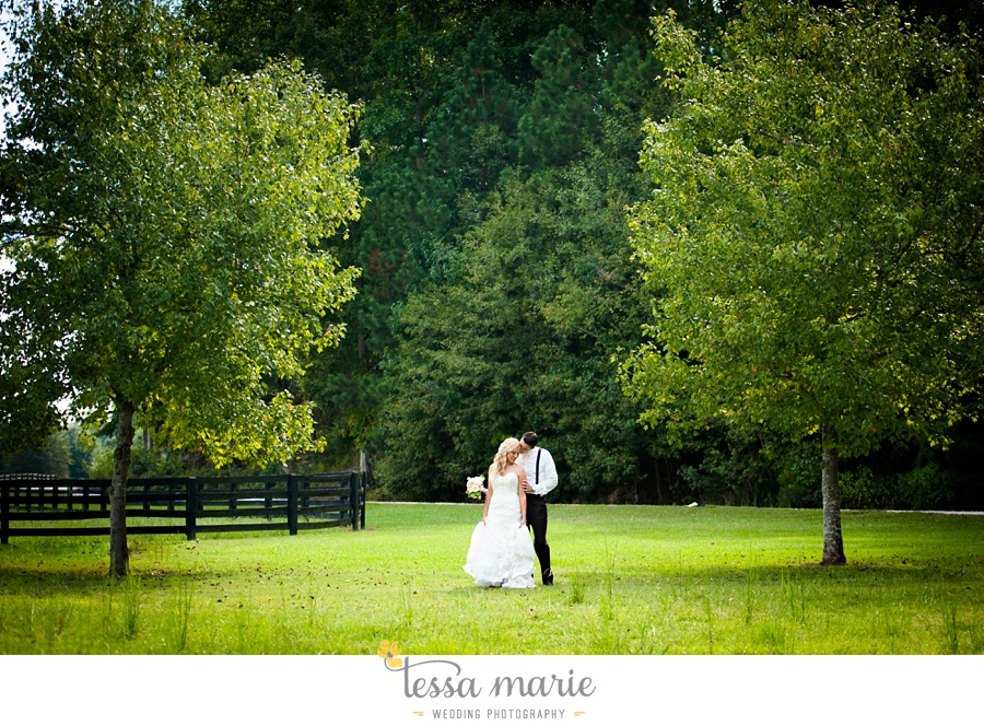 78_foxhall_wedding_outdoor_atlanta_wedding_pictures_wedding_photographer_tessa_marie_weddings