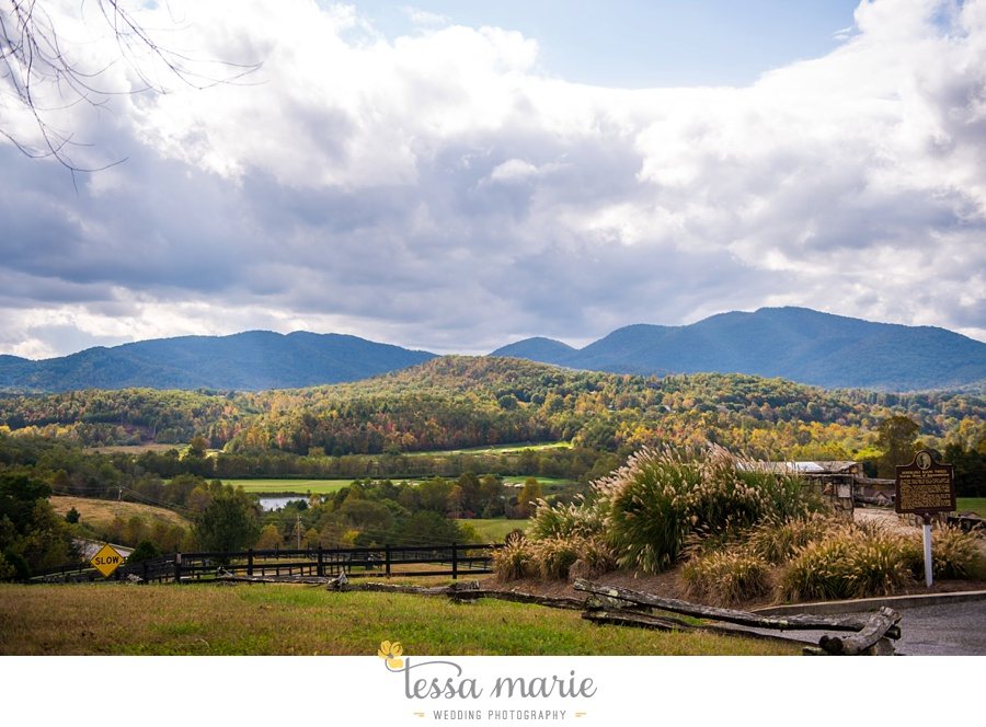 young_harris_wedding_outdoor_mountain_fall_wedding_Brasstown_valley_resort_wedding_pictures_0019
