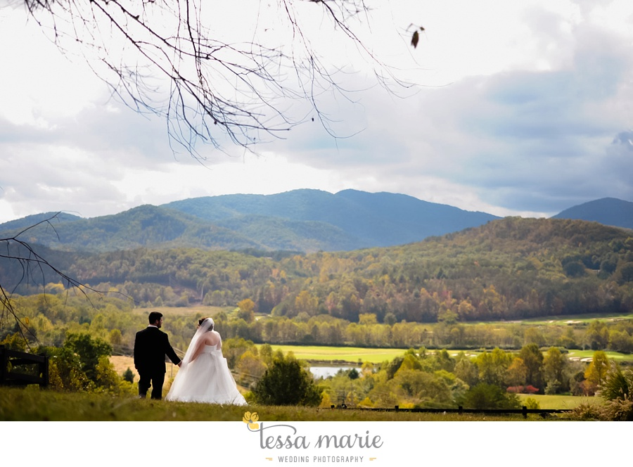 young_harris_wedding_outdoor_mountain_fall_wedding_Brasstown_valley_resort_wedding_pictures_0022