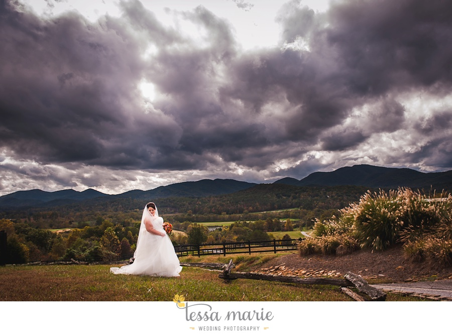 young_harris_wedding_outdoor_mountain_fall_wedding_Brasstown_valley_resort_wedding_pictures_0026