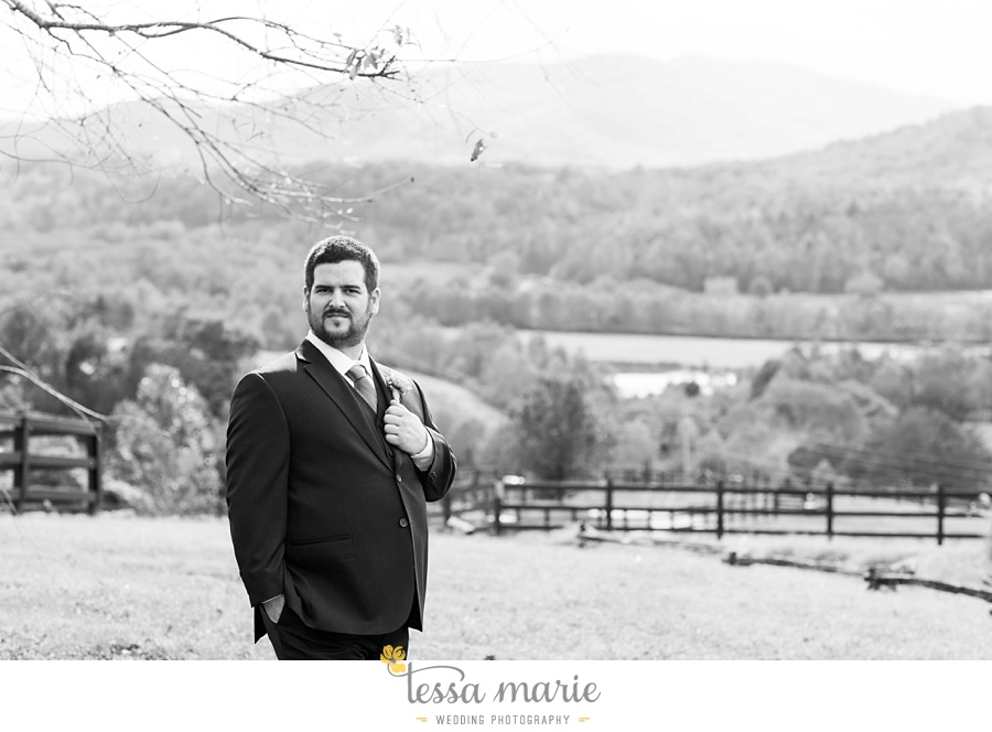 young_harris_wedding_outdoor_mountain_fall_wedding_Brasstown_valley_resort_wedding_pictures_0035