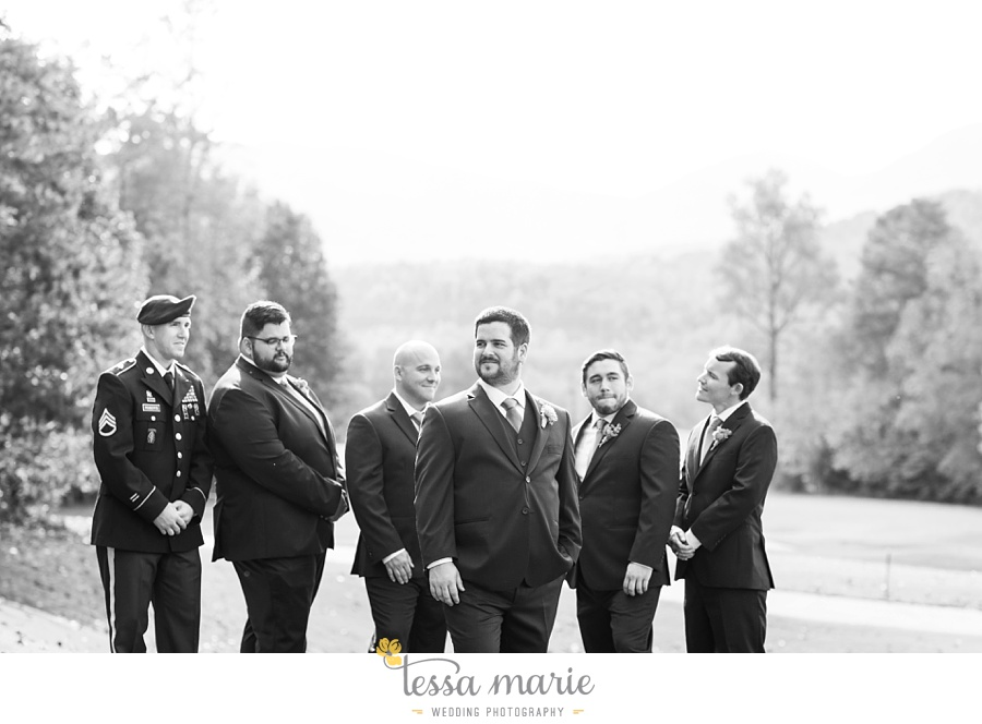 young_harris_wedding_outdoor_mountain_fall_wedding_Brasstown_valley_resort_wedding_pictures_0040