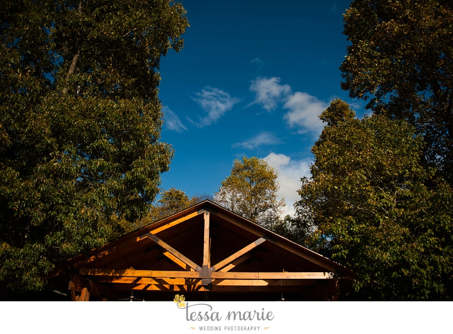 young_harris_wedding_outdoor_mountain_fall_wedding_Brasstown_valley_resort_wedding_pictures_0044